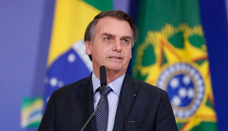 Bolsonaro pronto a decolar